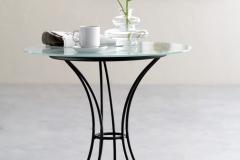 Tavolino in vetro e metallo