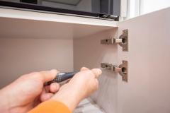 La massima cura è posta in ogni fase della lavorazione e del montaggio dei mobili